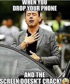 robert-downey-phone-funny-laugh